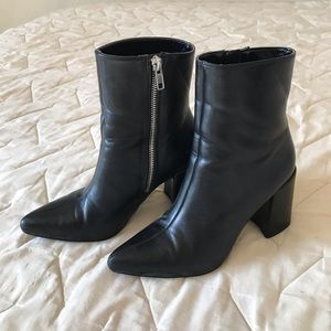 Forever 21 Pointed Black Boots